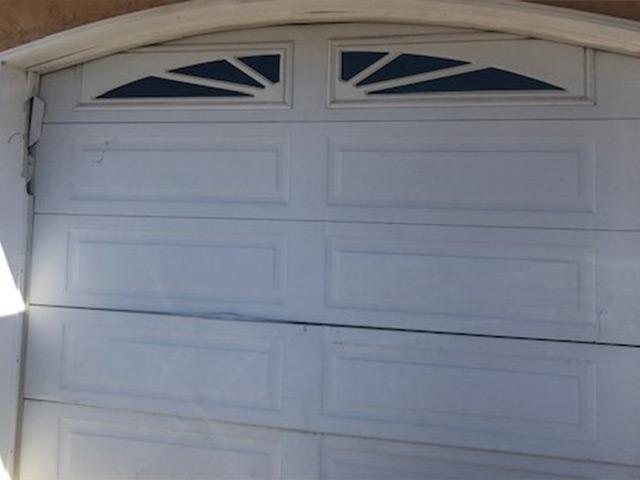 Bobs_Door_Service_Garage_Doors_Penticton_New_Before